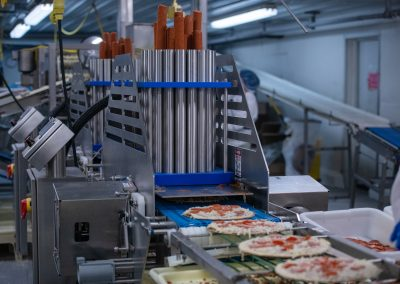 Thin Crust Pizza Manufacturing Line with Pepperoni Machine and Conveyor System